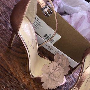 Size 7M Jessica Simpson heels.